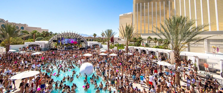 Daylight Las Vegas Pool Party